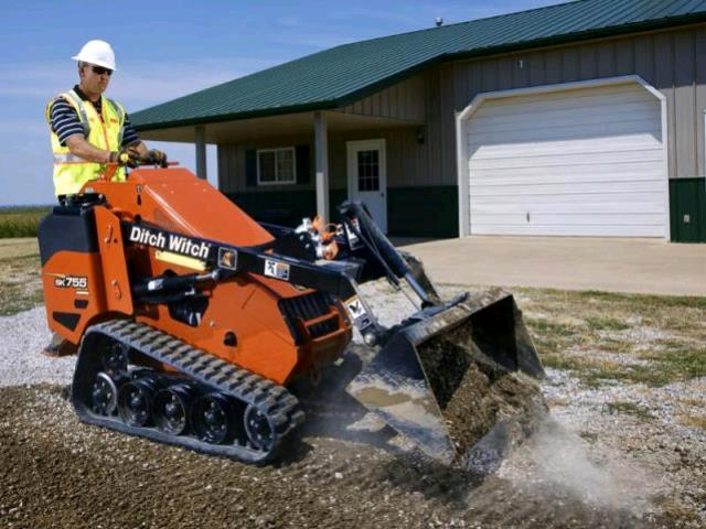 Where to find Mini Skid Steer Loader - with Bucket,755 in Mount Vernon